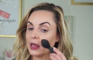 Как замаскировать носогубные складки и скрыть их с помощью макияжа